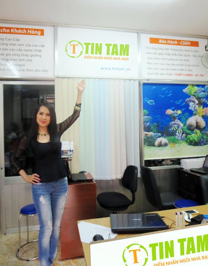 Diễn viên Minh Thư may rèm cửa đẹp tại Tín Tâm