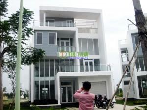 Màn cửa tự động, giấy dán tường hàn quốc biệt thự Chị Tú Quận 7 tphcm